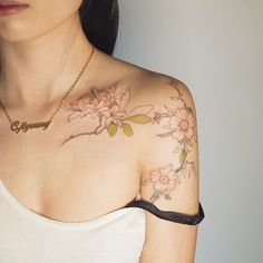 . 라인 꽃 + 부분 컬러 tattoo tattooist tattooistsol 솔타투 soltattoo flower 꽃타투