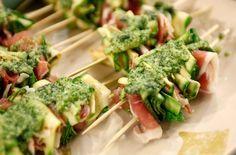 Pinchos de zucchini y jamón crudo | Narda Lepes