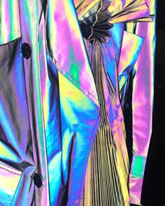 Maison Margiela Artisanal by John Galliano, Spring 2018 show, details Holographic Fabric, Holographic Glitter, Rick Owens, Product Development Process, Tokyo Fashion, John Galliano, Margiela, Textures Patterns, Color Inspiration
