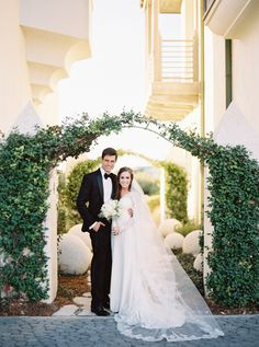 Destination Wedding Event Planning Ideas and Tips Wedding Events, Wedding Day, Weddings, Wedding Shot, Wedding Table, Dream Wedding, Modern Minimalist Wedding, Rosemary Beach, Beach Wedding Decorations