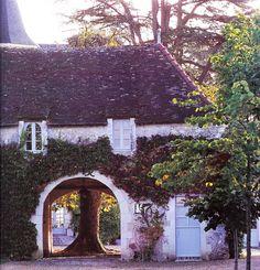 images: scanned from Coté Ouest Dec—Jan '08, by Guillaume de Laubier