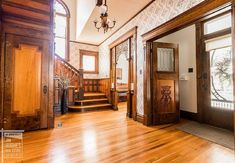 1910 Historic House For Sale In Shenandoah Iowa — Captivating Houses Shenandoah Iowa, Silestone Countertops, Rocking Chair Front Porch, Small Town America, Grand Foyer, Victorian Homes, Victorian Interiors, Modern Victorian, House Interiors