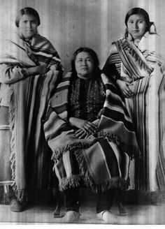 Rose Shunkamola, (the sister of Mary Red Eagle), with her two nieces - women of the Osage Nation. No date or additional information. Native American Regalia, Native American Photos, Native American Tribes, Native Americans, Osage Indians, Osage Nation, Aboriginal People, Interesting History, First Nations