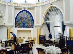Азербайджанский ресторан «Суфра» находится на крыше торгового центра с люксовыми марками, называемом Limerance. Пряные ароматы традиционной азербайджанской кухни встретят вместе с настоящим азербайджанским гостеприимством и можно будет насладиться аутентичными азербайджанскими блюдами, душистыми восточными чаями, рассыпчатыми сладостями и терпкими национальными винами. http://xn--e1agiku.consolidator.travel/Place/Yekaterinburg_City_Centre.htm