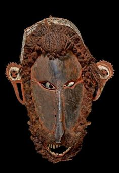 torres strait islander Art including Turtle Shell masks have a strong feeling of presence.  They were used in a particular ceremony.  #sculpture #art #aboriginal #torres strait #australian art #oceanic art Australian Art, Aboriginal Art, Tribal Art, British Museum, Turtle, Lion Sculpture, Carving, Statue, Shell