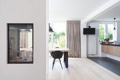 gordijnen overgordijnen wit strak interieur   keuken   Pinterest