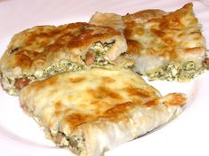 Pie with morels - Healthy Food Mom Burek Recipe, Spinach Puff Pastry, Quiche Muffins, Gourmet Recipes, Healthy Recipes, Hungarian Recipes, Salad Bowls, Pie Dish, Food Print
