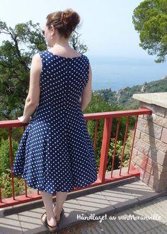 The perfect summer polkadot dress! Pattern from Stoff & Stil. Polka Dot Summer Dresses, Handmade Dresses, Polka Dots, Pattern, Vintage, Style, Fashion, Tunic, Summer