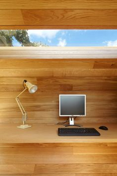 Shoffice (shed + office) is a garden pavilion containing a small office alongside garden storage space that was designed by Platform 5 Architects in Shed Office, Backyard Office, Outdoor Office, Garden Office, Garden Shed Kits, Small Office Design, Modern Shed, Garden Pavilion, Portable House