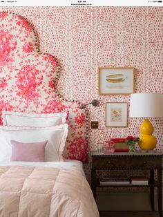Tall floral, scalloped headboard, mixed prints, color mix