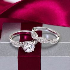 Okay, this is perfect. Love matching engagement ring/wedding band sets.