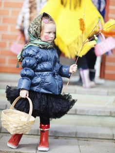 Finland Easter tradition © shalamov/iStock/Thinkstock [http://www.thinkstockphotos.co.uk/image/stock-photo-little-girl-celebrating-easter/178721990/]