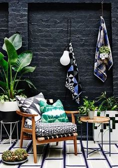 Fenton&Fenton's Towels & Courtyard Boho Home :: Beach Boho Chic :: Living Space Dream Home :: Interior + Outdoor :: Decor + Design :: Free your Wild :: See more Bohemian Home Style Inspiration Interior Tropical, Bohemian Interior, Bohemian Patio, Patio Vintage, Ideas Terraza, Balkon Design, Garden Design, House Design, Patio Design