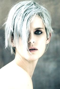 Stella Tennant photographed by Paolo Roversi on the cover of i.d Magazine for summer I love her pale blue hair, so effortlessly cool Fashion Magazine Cover, Fashion Cover, Magazine Cover Design, Magazine Covers, Stella Tennant, Paolo Roversi, Steven Meisel, Tim Walker, Id Magazine