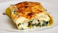A classic recipe that we always find full of flavour and very satisfying. A good veggie dish for a cold night. Spinach & ricotta cannelloni – serves 4 butter, plus a bit extra sp… Cookbook Recipes, Kitchen Recipes, Wine Recipes, Cooking Recipes, Healthy Recipes, Cheese Recipes, Savoury Recipes, Healthy Food, Spinach And Ricotta Canneloni