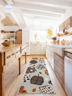 Easy Home Decor, Orange Rugs, Autumn Home, Fall Decor, Fall Kitchen Decor, Kitchen Remodel, Sweet Home, New Homes, Room Decor