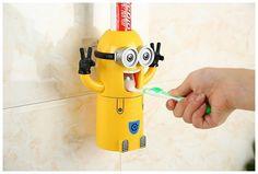 El panda del dollar ha conseguido este regalo para ti - Dispensador pasta de dientes minion