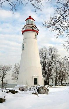 Lighthouse decorated for Christmas Holiday in Marblehead, MA. My parents lived in Marblehead Lighthouse Pictures, Lighthouse Art, Marblehead Lighthouse, Marblehead Ohio, Marblehead Massachusetts, Massachusetts Usa, Beacon Of Light, Coastal Christmas, Christmas Holiday