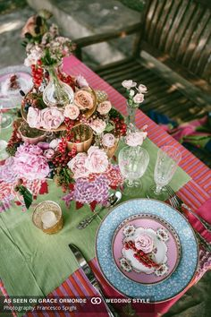 romantic wedding table Flowers by Jardin Divers www.jardindivers.it @jardindivers Photo by F. Spighi wedding in tuscany, wedding flowers, romantic wedding, italian wedding, wedding destination, wedding in Italy, outdoor wedding, wedding in Chianti, royal wedding, castle wedding, wedding inspiration, wedding idea, wedding design, flower design, pastel colors, pastel wedding, soft colors wedding, fresh colors wedding, pink wedding, lake wedding, lake, bohemian wedding