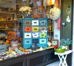 Mueble vintage azul escaparate vyp