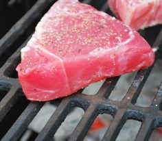 Tuna to Perfection Actually helpful instructions! Ahi on the grill.Actually helpful instructions! Ahi on the grill. Grilling Recipes, Fish Recipes, Seafood Recipes, Cooking Recipes, Grilling Tips, Cooking Tips, Recipies, Tilapia Recipes, Healthy Grilling
