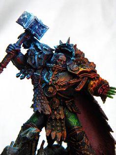 Vulkan by Andrey Demidov Warhammer Figures, Warhammer Art, Warhammer Models, Warhammer 40k Miniatures, Warhammer 40000, Fantasy Model, Fantasy Figures, Warhammer 40k Salamanders, Miniaturas Warhammer 40k