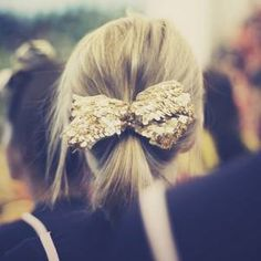gold sequin hairbow