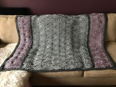 Brioche Waves Blanket Designer: Tatsiana of Lilla Björn's Crochet World. My favorite blanket to use -- made from the *softest* yarn I've ever used: Scheepjes Colour Crafter. Crochet World, Crochet Patterns, Waves, Blanket, Pillows, Bedspread, Afghans, Knitting, Ravelry