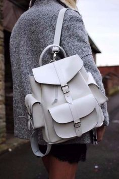 A white leather backpack is all you need for the next spring getaways … - Womens Bags Outlet Michael Kors, Michael Kors Bag, Fashion Bags, Fashion Backpack, Womens Fashion, Ootd Fashion, White Leather Backpack, Leather Backpacks, Leather Bags