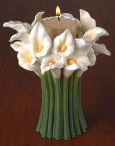 Cally Lily Tea Light Bouquet