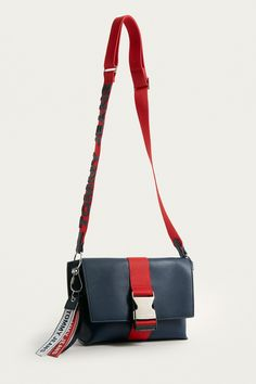 tommy hilfiger fanny pack urban outfitters