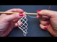 Capítulo 3, Añadido de hilo y aumento de la red. - Curso básico de Encaje ju. - YouTube Crochet Motifs, Crochet Stitches, Crochet Patterns, Crochet Hats, Cotton Crochet, Irish Crochet, Ribbon Embroidery, Embroidery Stitches, Lace Weave