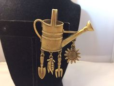 VTG. JJ JONETTE ANTIQUE GOLD TONE GARDENERS DREAM WATERING CAN/FLOWER BROOCH~  | eBay