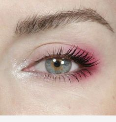 Simple pink eye makeup