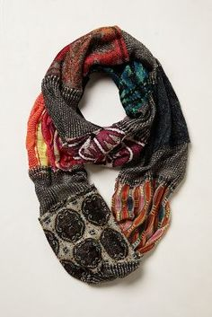 Eclectic and versatile scarf