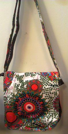 Handtasche aus Synthetik mit sehr vielen Fächern! http://www.ebay.at/itm/Damenhandtasche-Menzo-/171078549152? pt=DE_Damentaschen==item6d7e78e11c Sehr schöne Tasche - da gibt es noch mehr ♥