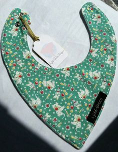 Check out this item in my Etsy shop https://www.etsy.com/uk/listing/397914051/lay-flat-bandana-bib-green-elephants-and