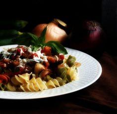 Una ricetta veramente facilissima per portare in tavola un bel piatto di pasta…