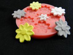 Silikonformen - Silikonform Blüten,Blumen - ein Designerstück von luflom-design bei DaWanda