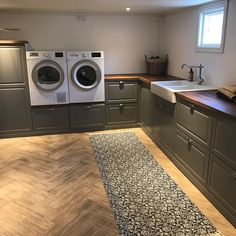 Pantry Laundry Room, Laundry Room Design, Interior Design Living Room, Living Room Designs, Küchen Design, House Design, Dormer House, Laundry Room Inspiration, Paint Colors For Living Room