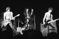 Ramones, 1976. pic.twitter.com/4DBaMxumoy