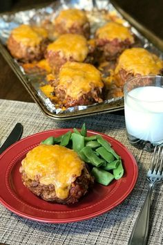 We love meatloaf and tacos, so when a friend gave us this recipe for the Best Taco Meatloaf we couldn't wait to try it. This easy meatloaf will be a regular meal on our menu because it& Taco Meatloaf, Meatloaf Recipes, Meat Recipes, Gourmet Recipes, Mexican Food Recipes, Cooking Recipes, Healthy Recipes, Hamburger Recipes, Recipes