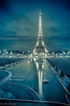 Espelhada Eiffel