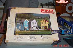 Piko G scale Train 1:22 1:25 Bauer Florist Shop Kit #62065 #Piko Model Car, Model Kits, Baker Shop, Car Parts For Sale, Scale, Train, Box, Shopping, Weighing Scale