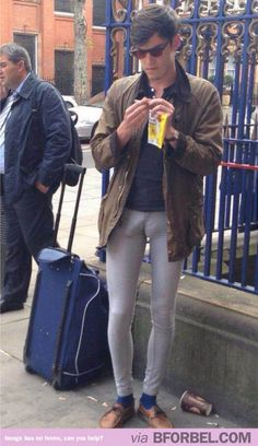 That awkward moment when your skinny jeans are so tight they show EVERYTHING