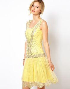 yellow dress great gatsby updos