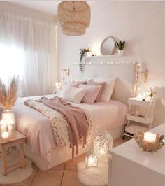 Girl Room Decor Ideas - Where should I put my bed in the bedroom? Girl Room Decor Ideas - How can I make my room look unique? Bedroom Decor For Teen Girls, Cute Bedroom Ideas, Girl Bedroom Designs, Room Ideas Bedroom, Small Room Bedroom, Home Decor Bedroom, Pink Teen Bedrooms, Light Pink Bedrooms, Master Bedroom