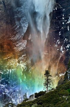 This stunning rainbow beneath a waterfall is a rare phenomenon that has become one of North America's star attractions in Yosemite. (Photo by Caters News Agency)