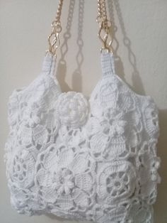Free Crochet Bag Patterns - Beautiful Crochet Patterns and Knitting PatternsMaking the most of a lined bag allows y Crochet Purse Patterns, Crochet Motifs, Crochet Doilies, Crochet Flowers, Crochet Stitches, Crochet Handbags, Crochet Purses, Crochet Bags, Love Crochet