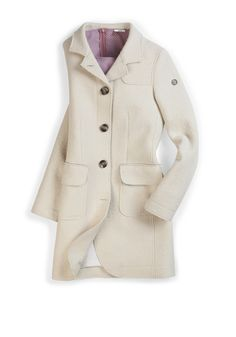 #FridaysFavourite | Bright colours also bring a good mood into grey days! #bugattifashion #womenswear #coat #beige